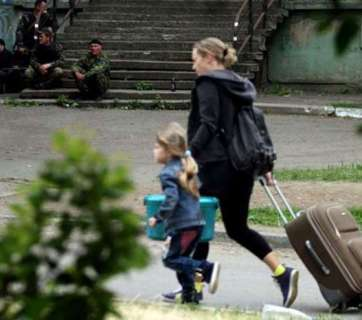 Ukraine has taken the ninth place in the world in IDP numbers as residents of Donbas and Crimea flee from the violence. Photo: AP