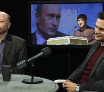 Political analyst Dmitry Travin and Ilya Yashin on the set of Radio Svoboda, Dec 14, 2015