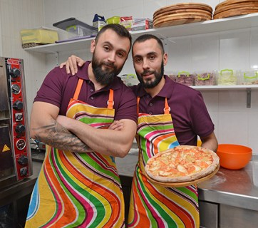 Pizza Veterano soldiers ATO Ukraine