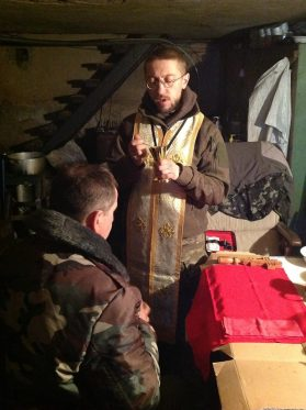 Communion at the front. Photo: Fr.Zelinskyi's fb page