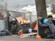 Euromaidan protesters get shot at vul.Institutska on 20 February 2014