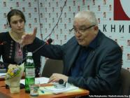 Philippe de Lara in Dnipropetrovsk Ye book store on 25 April 2016, photo by RFE/RL