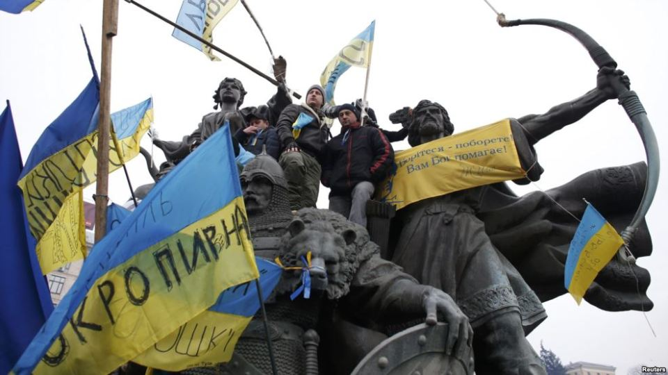 Monument to the founders of Kyiv, Maidan Nezalezhnosti,  during the Revolution of Dignity, December 15, 2015
