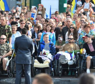 Photo: Golos.UA. The Ukrainian soldiers, participants of the war in the Donbas on parade in honor of Independence Day 2014