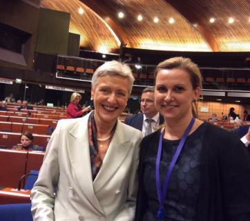 Marieluise Beck (right) and Kristyna Zelienkova (left) were the rapporteurs of the resolutions. Photo: Iryna Gerashchenko