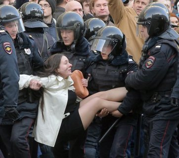 Police crackdown of the anti-corruption protests in Russia on March 26, 2017 (Image: social media)