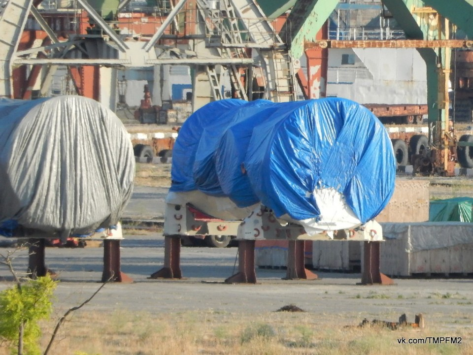 The two alleged Siemens turbines in the port of Sevastopol. Photo: vk.com/tmpfm2, 29 June 2017