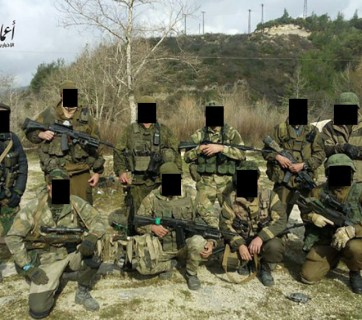 A group photo of supposedly Wagner mercenaries spread by ISIS resources. However, the Russian outlet Fontanka.ru supposes this photo was made in Donbas