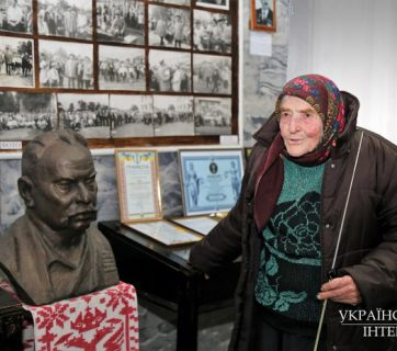 Halyna Lavrentiyivna Rykh in her museum, village of Berezan, Kyiv Oblast. All photos: Oleksandr Bobrovsky