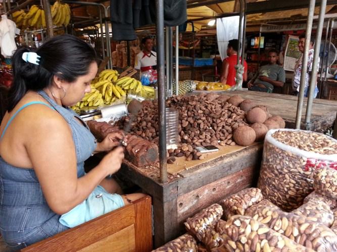 castanha-ver-o-peso-Belém-do-Pará