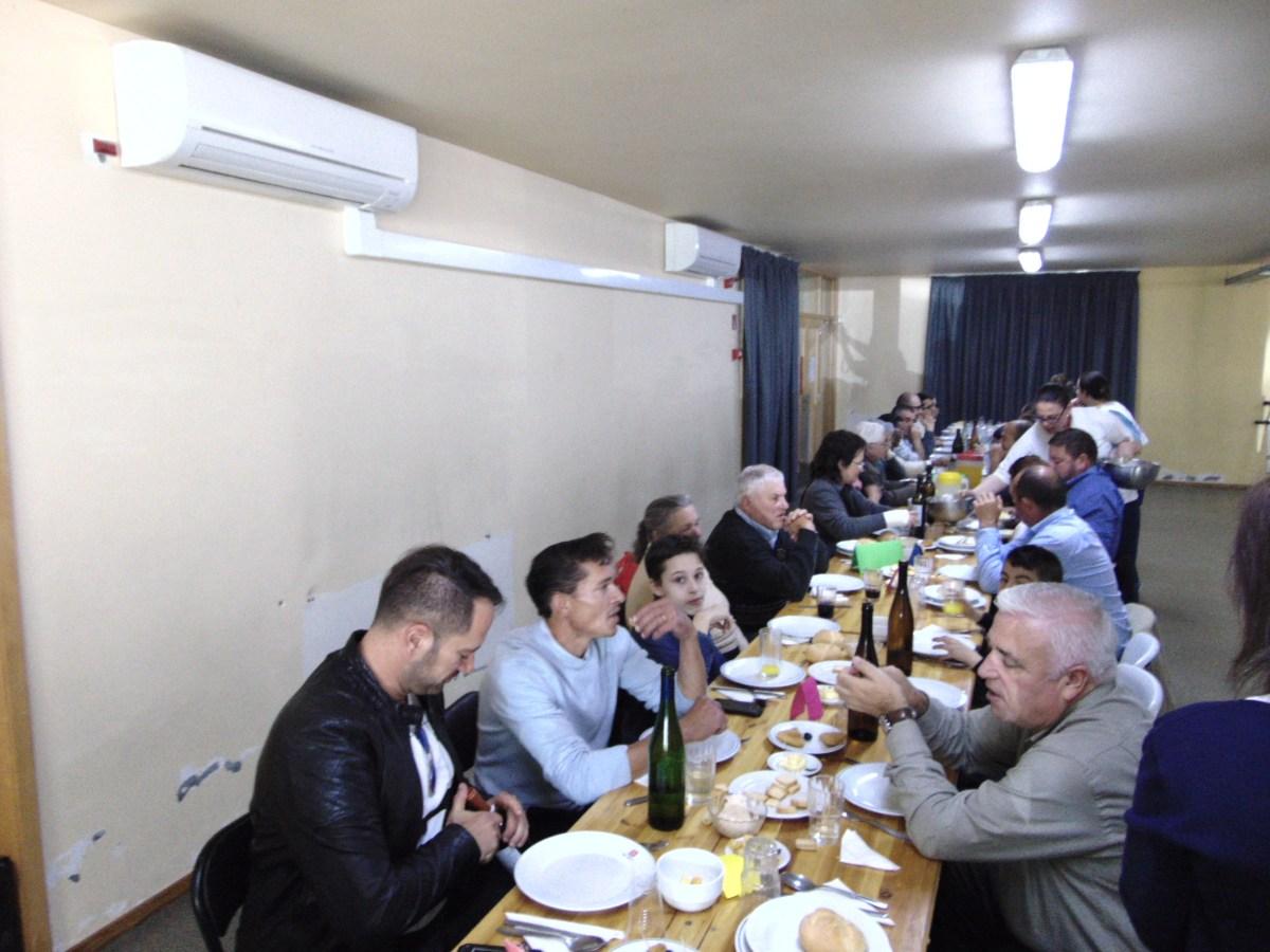 Almoço de angariação de fundos das Guias serve mais de 100 pessoas