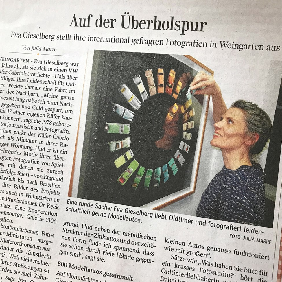 Schwäbische Zeitung Eva Gieselberg Ausstellung Spielzeugautofotografie