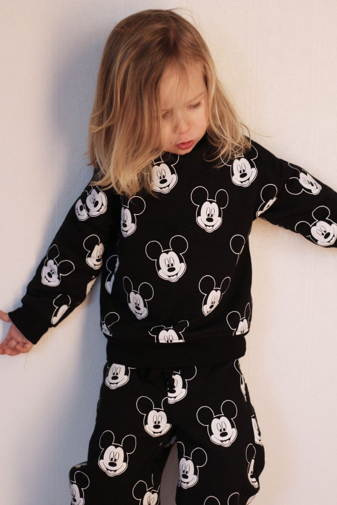 sweatpant and sweater disney micket toddler