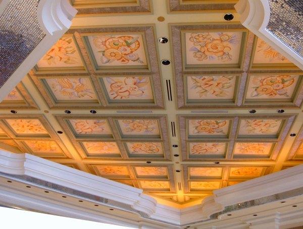 Coffered ceiling in lobby of Wynn Villas