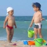 copii_plaja-radio vacanta