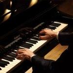 v-piano_grand_theater_2_gal
