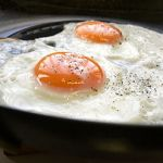 330px-Sunny_side_up_by_yomi955