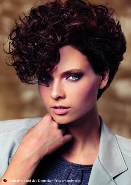 Frisuren Trend 2018 Frauen Kurzhaarfrisuren Damen Locken