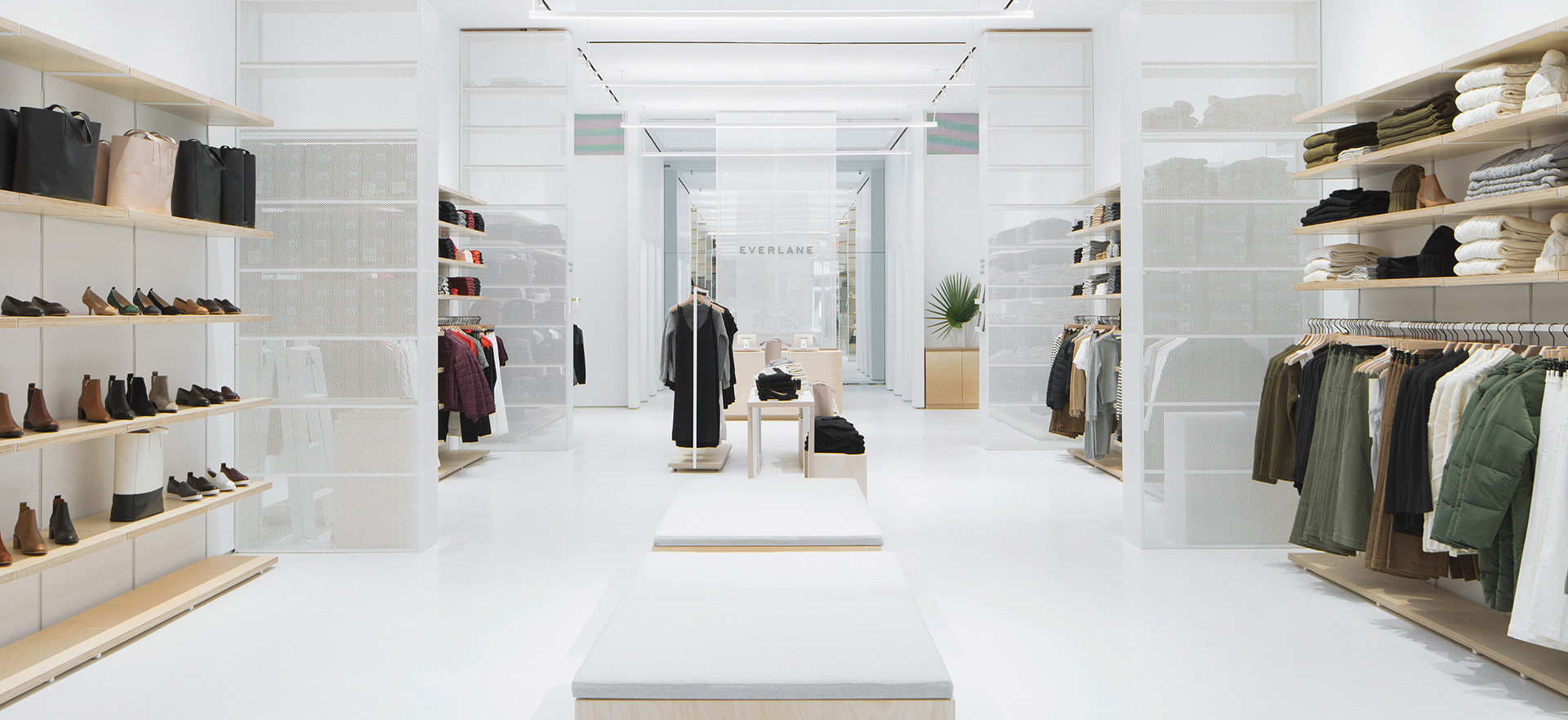 Store En Stock Visit Us Everlane