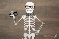 Printable skeleton door dcor - Everyday Dishes