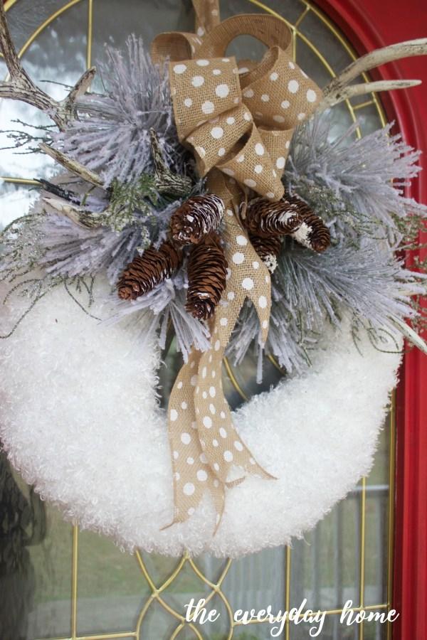 Winter Wreath | The Everyday Home Blog | www.everydayhomeblog.com