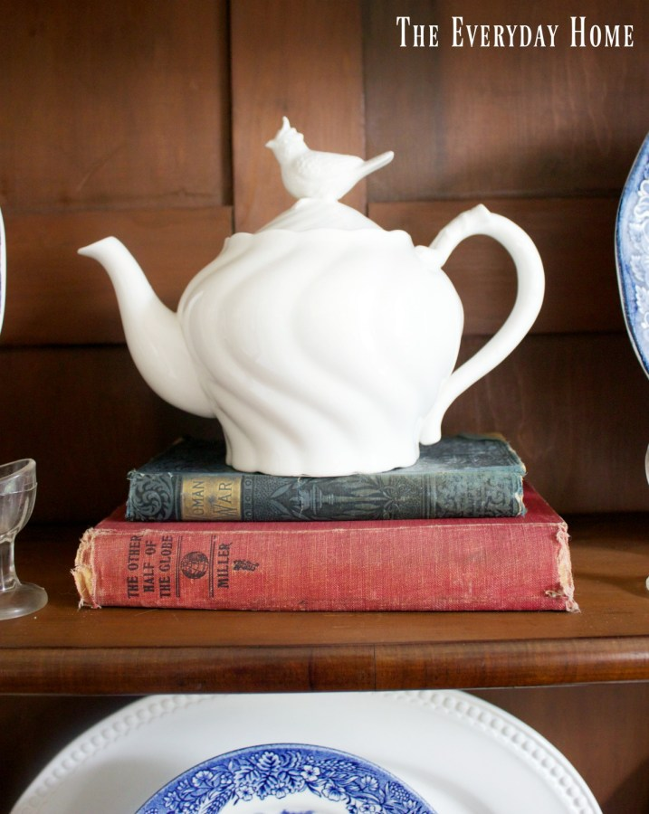 bird-teapot-in-english-hutch | The Everyday Home | www.everydayhomeblog.com