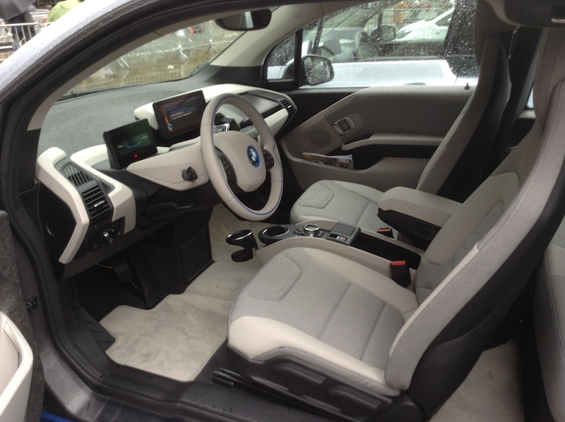 BMW i3 front interior at Arc de Triompf in Barcelona, Spain.(This image is available for republishing and even modification under a CC BY-SA license, with the key requirement being that credit be given to Zachary Shahan / EV Obsession / CleanTechnica, and that those links not be removed.)