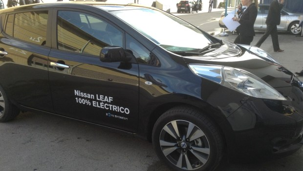 Black Nissan Leaf at EVS27 in Barcelona, Spain.(This image is available for republishing and even modification under a CC BY-SA license, with the key requirement being that credit be given to Zachary Shahan / EV Obsession/ CleanTechnica, and that those links not be removed.)