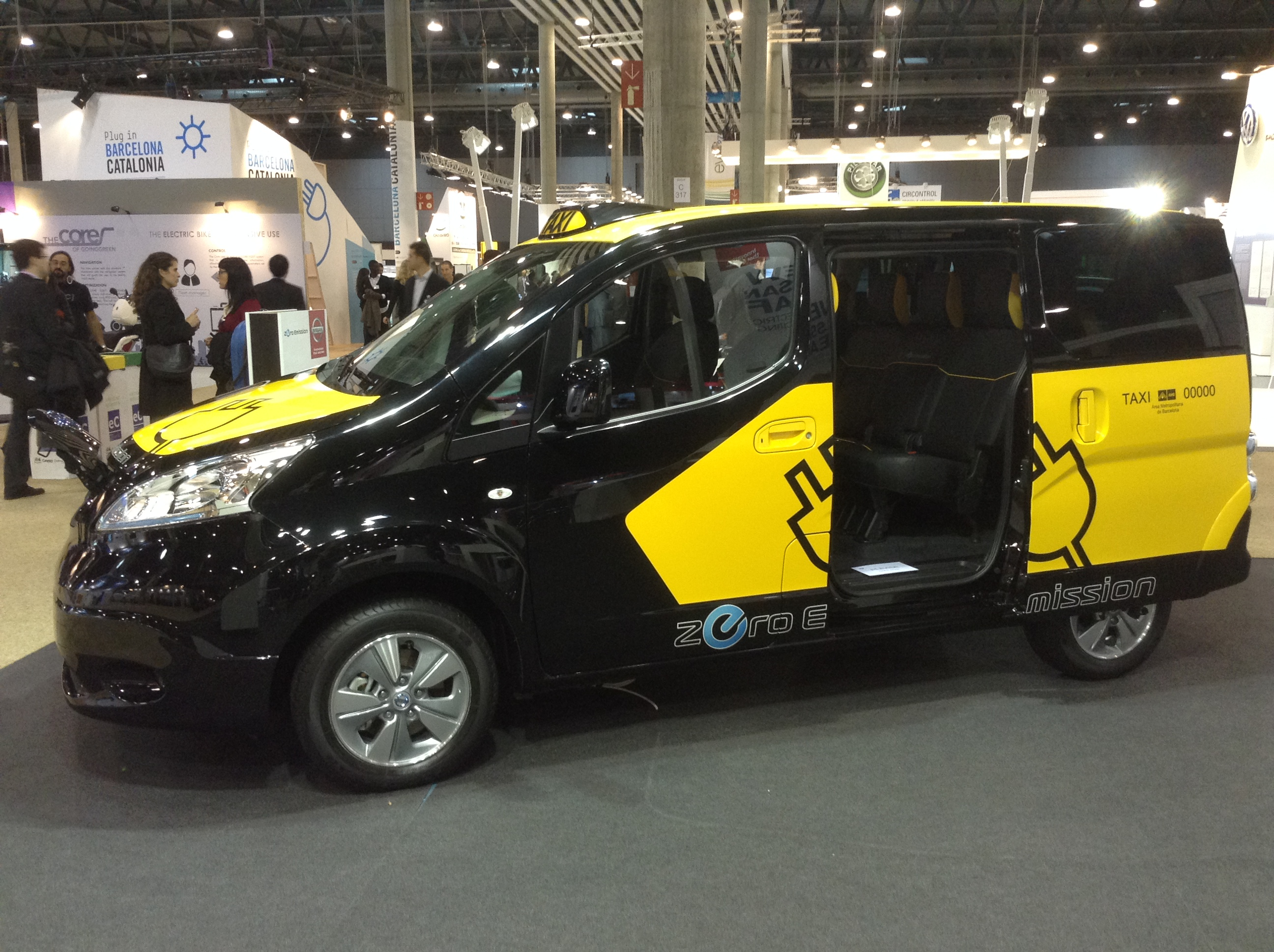 Taxi Camionnette Nissan Launches 7 Seat Electric Van