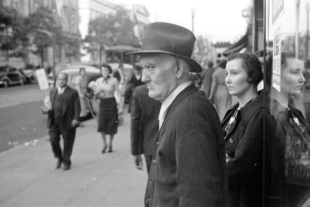 Street scene, Washington, D.C., photograph by John Vachon