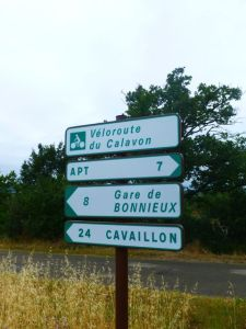 The signposted Veloroute de Calavon