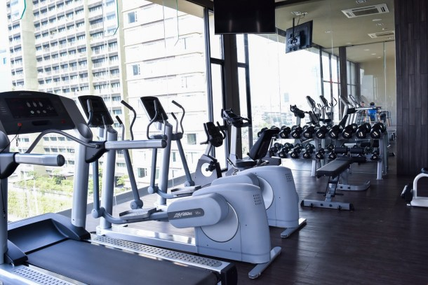 The gym is relatively well-equipped for those who are looking to get their cardio fix. 2 treadmills, ellipticals and a bike. The best part was the free weights area, but it would have been better if we had a squat rack there!