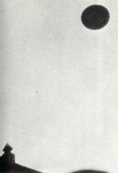 Anomalía aérea durante década de 1950 en Yokohama, Japón.