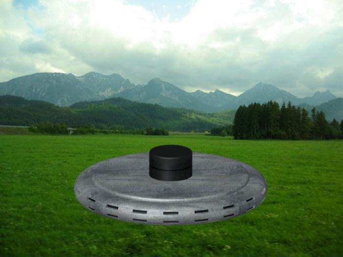 Moderna representación del objeto volador visto tal como se describe en los archivos del caso.
