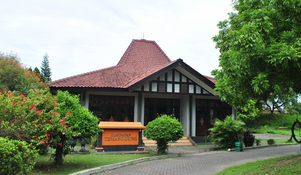 Puri Maerokoco Temanggung