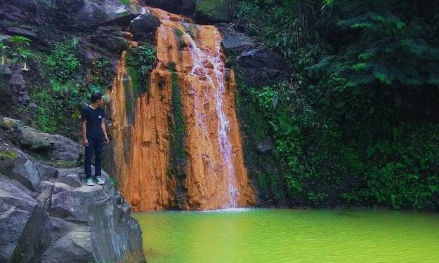 Air Terjun Klenthing Kuning Semarang