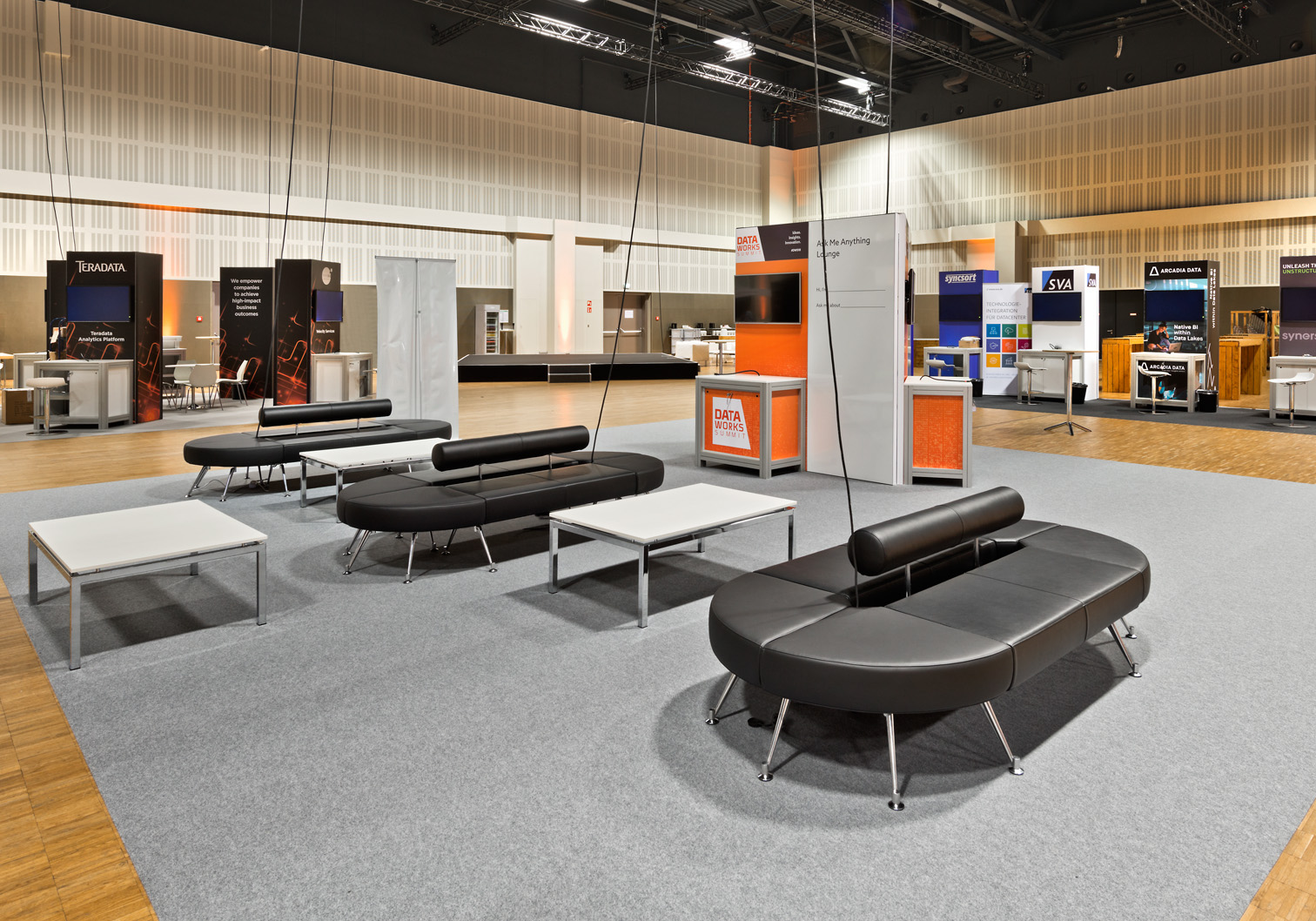 Sofa Berlin Design New Design Lounge Sofa With Charging Station Expofair Gmbh