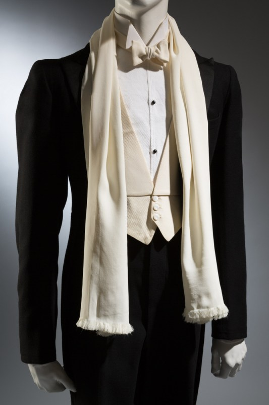 Wood Carlson Co. Tailcoat Black wool 1935, USA The Museum at FIT, 89.65.9 Gift of Kay Kerr Uebel