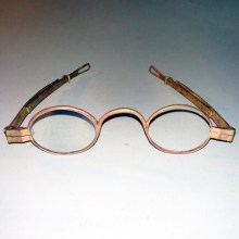 Copper color brass spectacles after cleaning