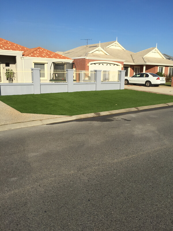 Ezi-Synthetic-Turf-front-curb_Perth_0115