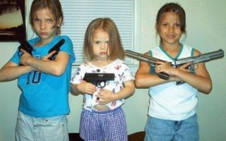 kids-with-guns-620x3303