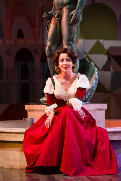 Anastasia Barzee as Kate    -   Photo: T Charles Erickson
