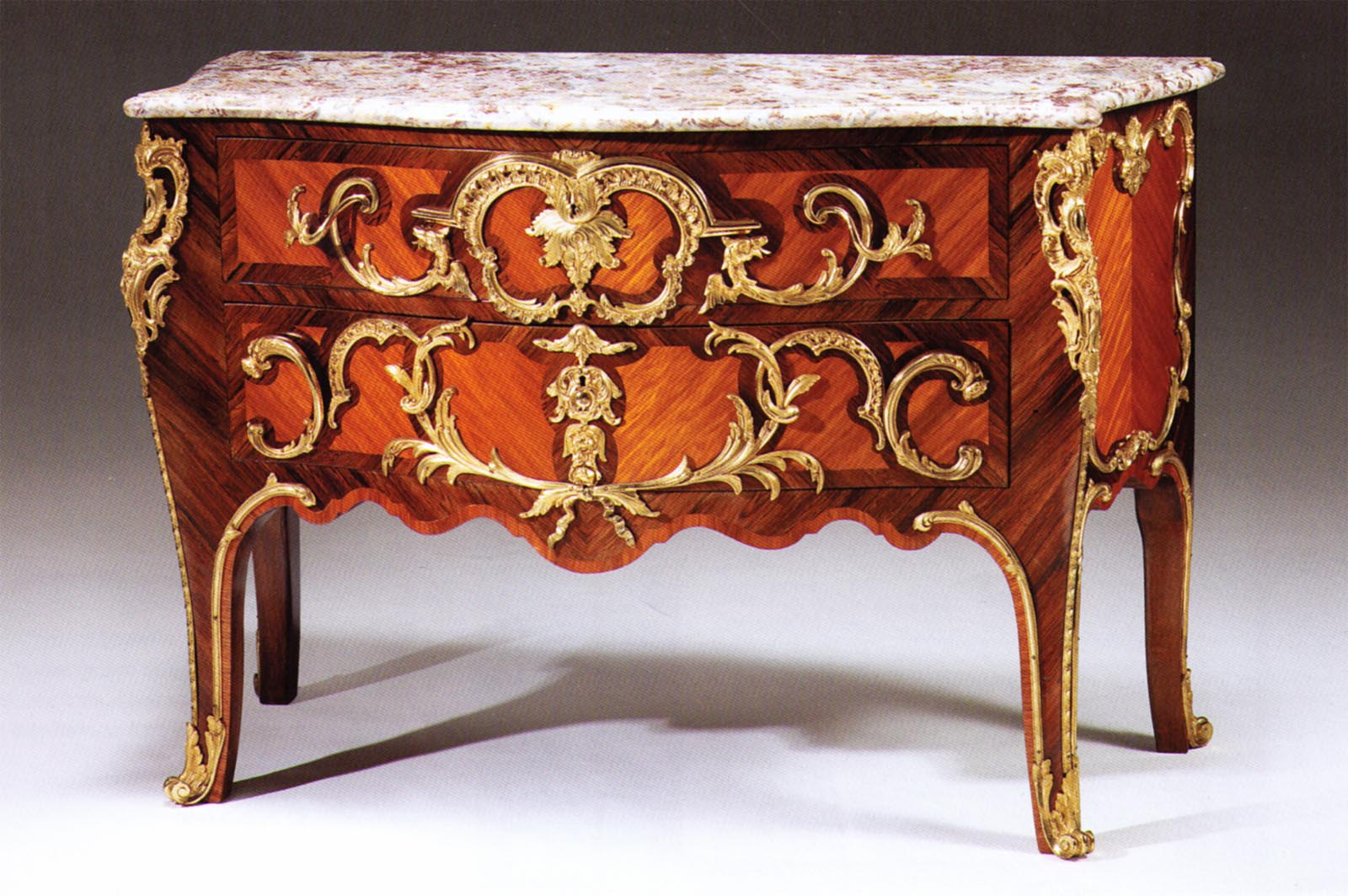 Commodes Louis 15 Very Fine Louis Xv Style Kingwood Amaranth And Gilt Bronze Mounted