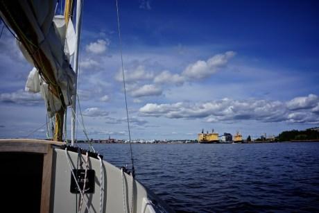 die gewaltige eisbrecherflotte laesst erahnen, was hier im winter los ist.