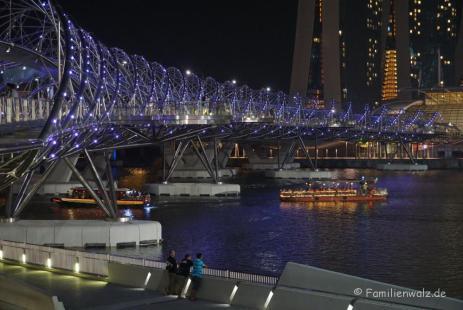 Helix Bridge gesehen vom Float @ Marina Bay