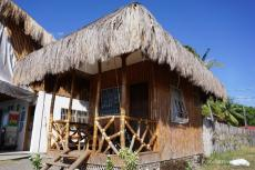 Bungalow des Beach Cafe in Malatapay