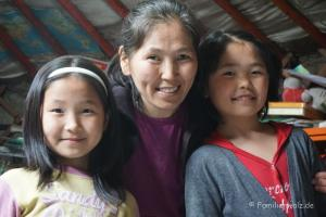 Was ist eigentlich Zuhause? Sieben elementare Zutaten - Begzs' Frau Sayumbo und ihre Töchter