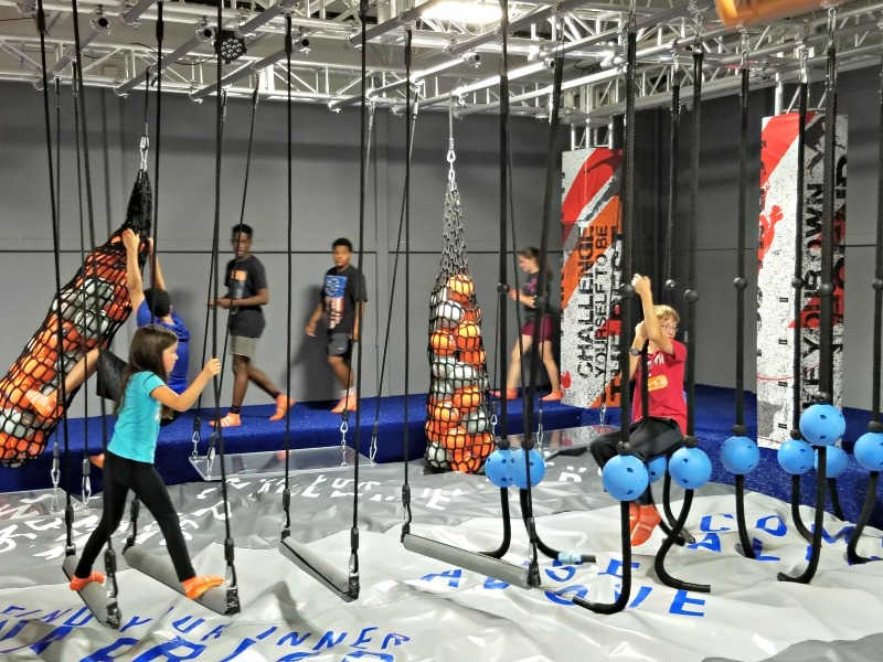 Skyzone Zwembad Sky Zone Trampoline Park - Family Fun Twin Cities