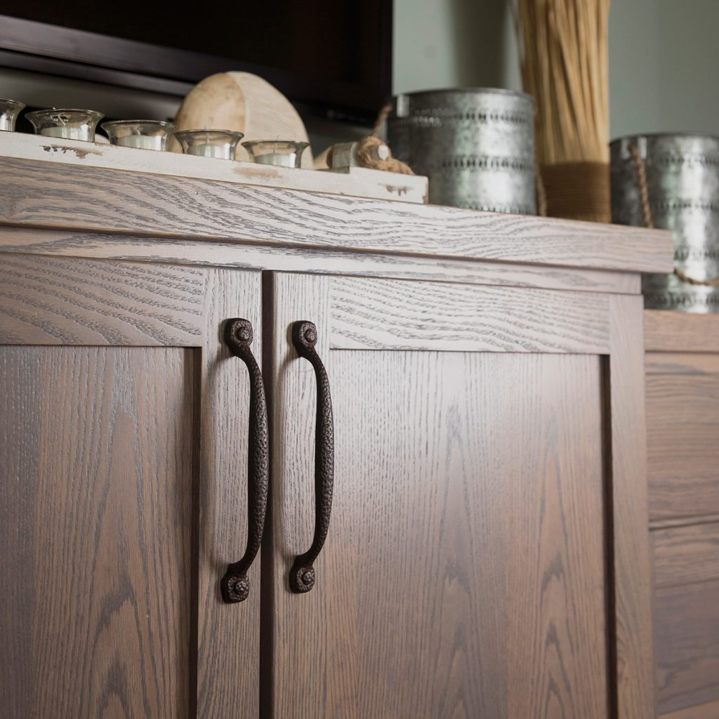Clear Up The Confusion When Choosing Cabinet Hardware