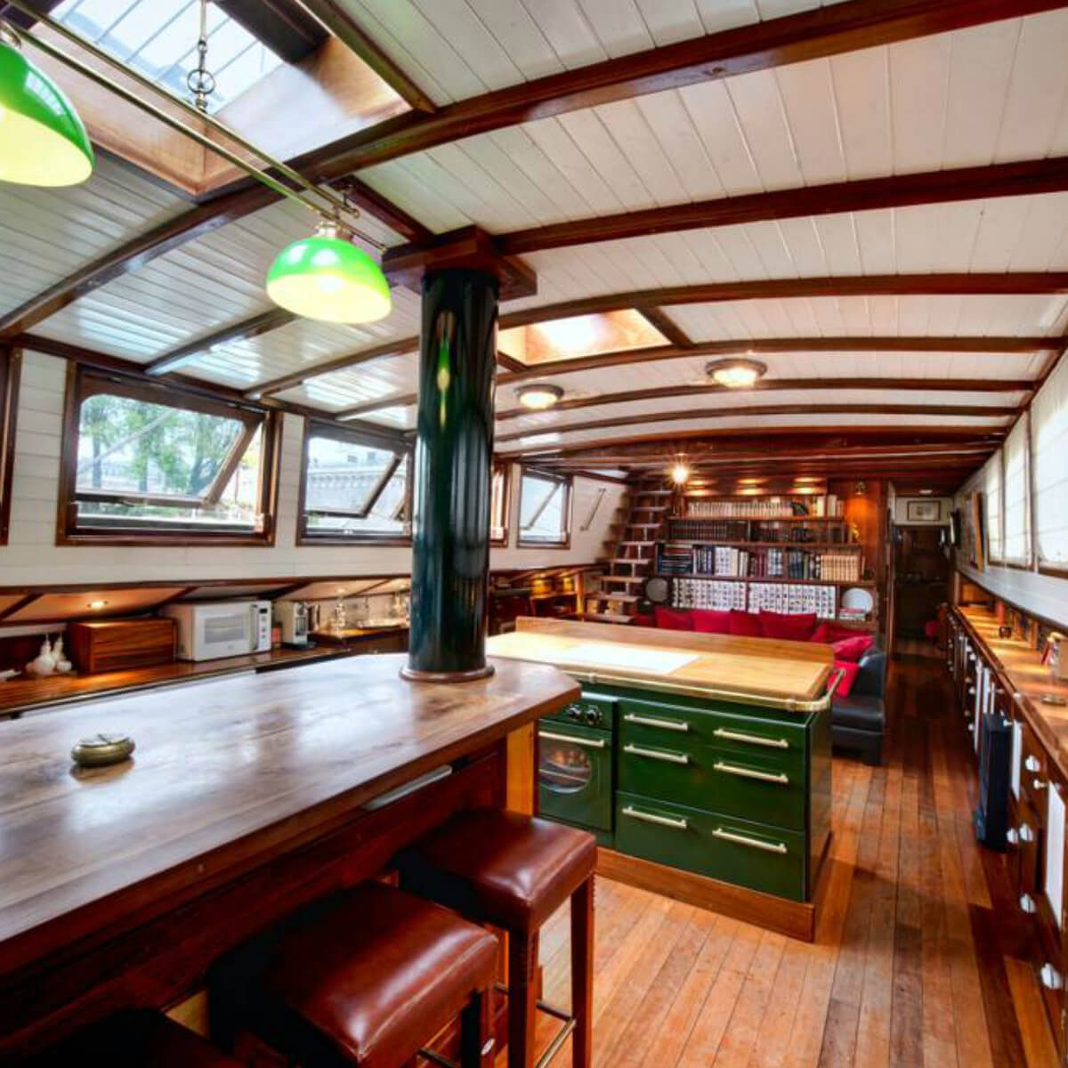 Airbnb Peniche Paris These 51 Airbnb Houseboats Are Like Living In A Floating Tiny
